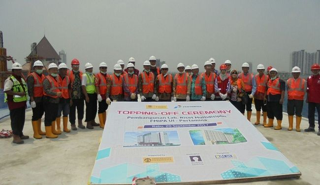 Topping-Off Ceremony of The Construction of Faculty of Mathematics & Natural Science UI Research Lab Building 2