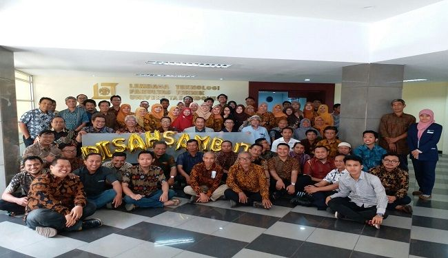 Farewell & Welcome Ceremony of The Director of Lemtek UI<br> 2